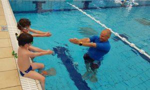 קורס מדריכי שחייה: התמודדות עם רמות שונות של שחייה בקבוצה